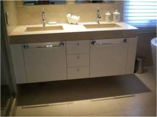 CASA RINCON 2: Baños de estilo moderno por FEF Arquitectas