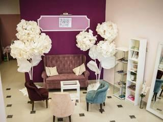 Студия дизайна Виктории Силаевой Negozi & Locali commerciali in stile minimalista Viola/Ciclamino