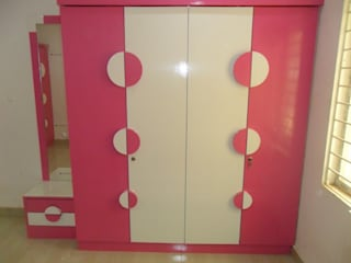 Wardrobe Designs: modern  by kranthi interior,Modern