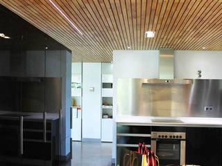 Loft Cronos: Comedores de estilo  de LC arquitectura