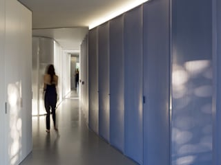 Modern Corridor, Hallway and Staircase by ImagenSubliminal Modern