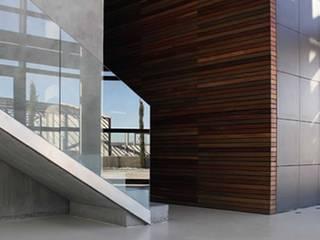 Edificio o2: Edificios de oficinas de estilo  de LC arquitectura