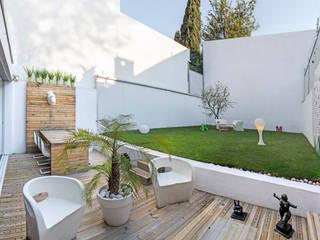 Hiên, sân thượng by Miguel de la Torre Arquitectos