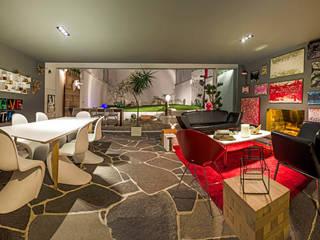 现代客厅設計點子、靈感 & 圖片 根據 Miguel de la Torre Arquitectos 現代風