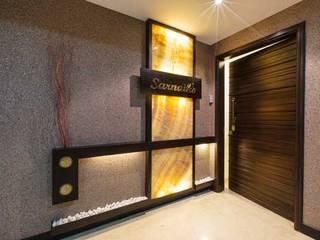 SARNAIK'S Modern corridor, hallway & stairs by Studio Vibes Modern