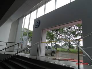 concessionaria VW Taba Escritórios modernos por Jorge Guizelini Arquitetura Moderno