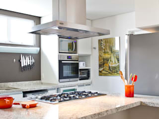 Kitchen by MCC Arquitetura, Modern