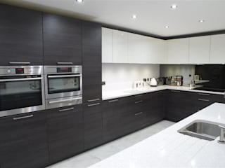 Another one of our finished bespoke kitchens.: modern Kitchen by PTC Kitchens