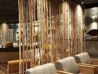 Lobby: Hoteles de estilo  por CHIMI
