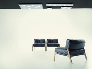Quarter lamp:  in stile  di Pellegrini+Mengato