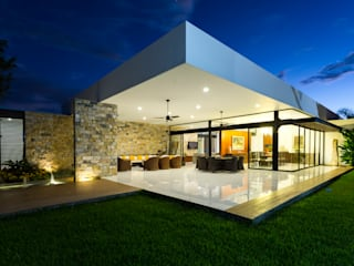 Patios & Decks by P11 ARQUITECTOS, Modern