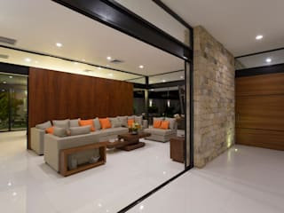 P11 ARQUITECTOS Salones de estilo moderno