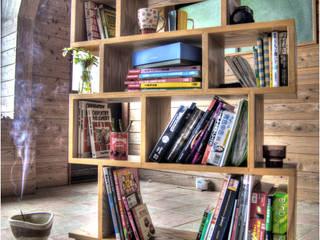 """シェルフ """"ロンドン"""": 家具工房 BritCraftが手掛けた現代のです。,モダン"""