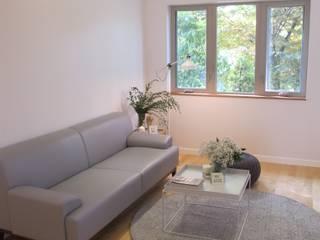 Scandinavian style living room by 루트 주택 Scandinavian