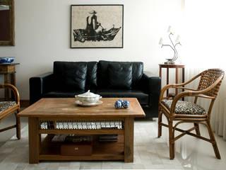 Salas de estilo moderno de Carlos Salles Arquitetura e Interiores Moderno