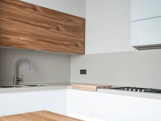 Cucina casa privata Cucina moderna di studiograffe Moderno