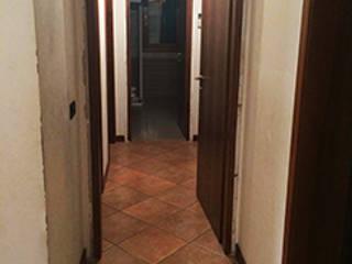 APP 72C Ingresso, Corridoio & Scale in stile rustico di VIQUADRO Rustico