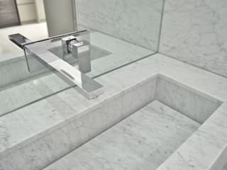 Carrara Marble vanity:  Bathroom by Ogle luxury Kitchens & Bathrooms