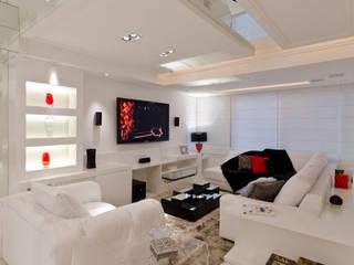 Modern living room by HB Arquitetos Associados Modern
