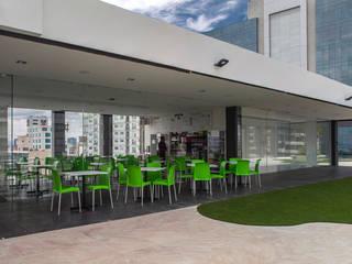 Colegio de la Imagen Publica: Comedores de estilo  por Serrano Monjaraz Arquitectos