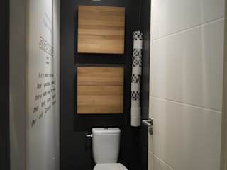 RÉALISATION D'UN APPARTEMENT RÉSIDENTIEL: Salle de bains de style  par Conseil Déco & Création
