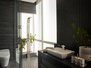 Edificio Vidalta: Baños de estilo  por Serrano Monjaraz Arquitectos