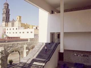 Hotel La Purificadora: Terrazas de estilo  por Serrano Monjaraz Arquitectos
