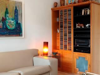 Multimedia-Raum von Carlos Salles Arquitetura e Interiores, Ausgefallen