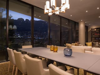 Modern dining room by Idea Cubica Modern