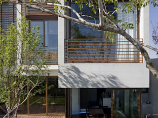 Casa LB : Casas de estilo  por Serrano Monjaraz Arquitectos
