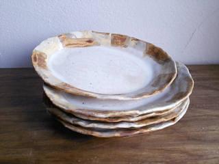 シリーズ『白石畳』: 陶器食器店 a new sprout / junko sakamotoが手掛けたです。