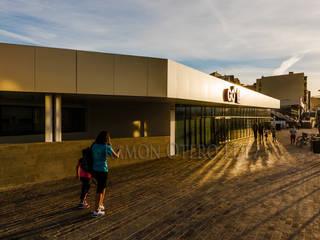 Go fit : Edificios de oficinas de estilo  de Ramonof - Fotógrafos en Canarias