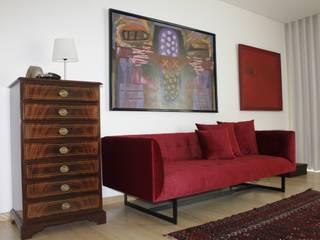 Closet _ Sofá:   por Cantos da Casa interiores&mobiliário