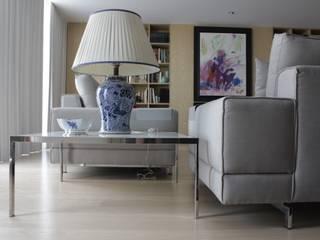Mesa de apoio _ Design  Cantos da Casa :   por Cantos da Casa interiores&mobiliário