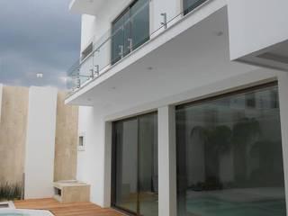 โดย Obras y reformas de vivienda,proyectos de arquitectura en Tabasco. คลาสสิค