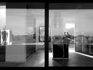 VIVIENDA UNIFAMILIAR AISLADA Y PISCINA EN ALGAIDA Puertas y ventanas de estilo rústico de JAIME SALVÁ, Arquitectura & Interiorismo Rústico