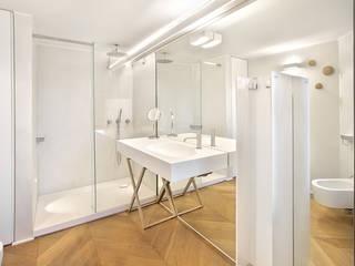 appartamento B Bagno eclettico di Diana Lapin Eclettico