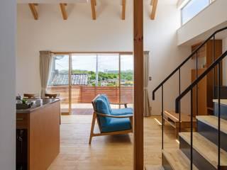 遠く海を見つめる家: FOMES designが手掛けたです。