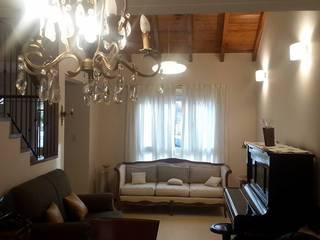 Excepcional casa Salas multimedia clásicas de Grupo Walls bienes raices Clásico