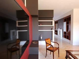 Paredes y pisos de estilo clásico de Studio Ferlenda Clásico