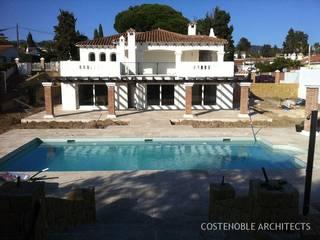 REFORM COSTABELLA Casas de estilo clásico de MANSION DESIGN Clásico