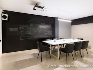 Gramil Interiorismo II - Decoradores y diseñadores de interiores Modern offices & stores