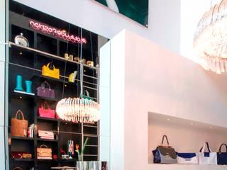PROJETO DE INTERIOR - LOJA SOLEAH: Lojas e imóveis comerciais  por BEATRIZ DANELON | Arquitetura e Interiores,