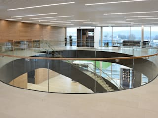 Office buildings by Nautilus Treppen GmbH&Co.KG, Modern