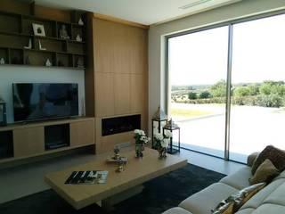 Classic style living room by GESTIÓN TÉCNICA DE PROYECTOS PROYECTOS Y OBRAS, SL. Classic