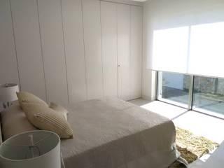 Classic style bedroom by GESTIÓN TÉCNICA DE PROYECTOS PROYECTOS Y OBRAS, SL. Classic