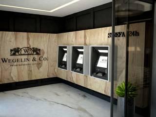 Pomieszczenie 24h z bankomatami: styl , w kategorii Przestrzenie biurowe i magazynowe zaprojektowany przez MART-DESIGN