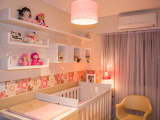 Nursery/kid's room by Studio C.A. Arquitetura, Modern