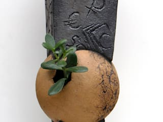 Nathalie Landot ArtworkSculptures Ceramic Black