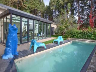 appartamento a Roma Piscina moderna di Diana Lapin Moderno